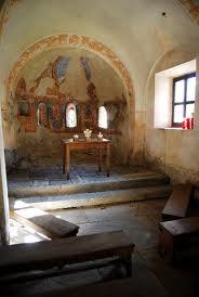 Particolare dell'interno Chiesa romanica di S.Margherita Somadino Valsassina