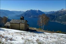 Chiesetta di S.Grato Valsassina Lago di Como con la neve